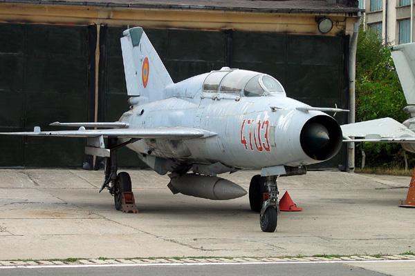http://www.level-aviation.com/admin/fotoedit/fotos/1134309661K_Mig21US4703-4.jpg